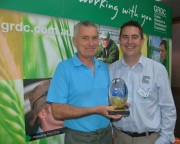 GRDC-Southern-Panel-Deputy-Chair-Dr-Chris-Blanchard-presents-Dr-Mark-Conyers-with-the-2104-Seed-of-Light-Award