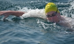 CSU student Lachlan Hinds swimming  across the Catalina Channel