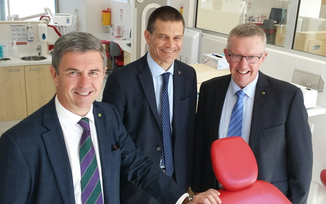 CSU Vice-Chancellor, Professor Andrew Vann (middle), Federal Assistant Minister for Health, Hon Dr David Gillespie MP (left) and Member for Parkes, Hon Mark Coulton MP, at the announcement on the Three Rivers UDRH in Dubbo.