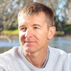 Dr Lee Baumgartner